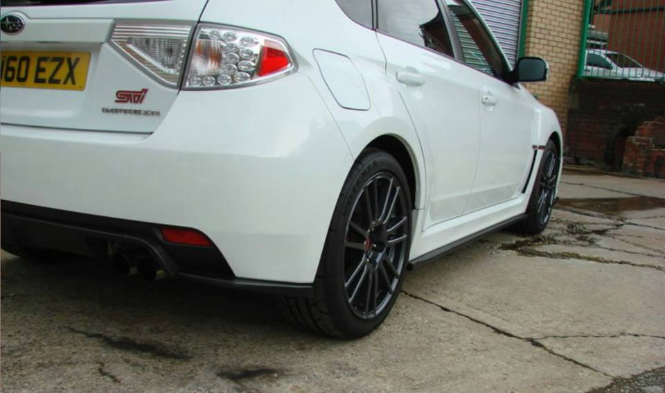 08 14 HT Autos Hatchback Rear pods